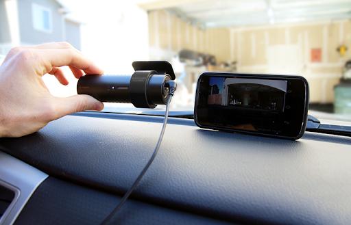 gắn camera hành trình cho ô tô
