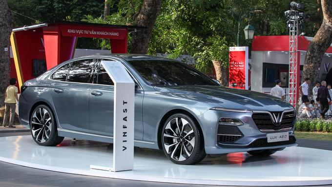 Độ đèn ô tô Lux tăng độ sáng tối ưu nhất